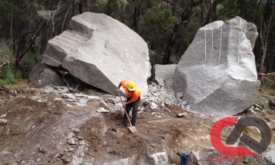 demolicao de rocha 08 - Demolição de Rocha - Equipamentos e Mão de Obra Especializada
