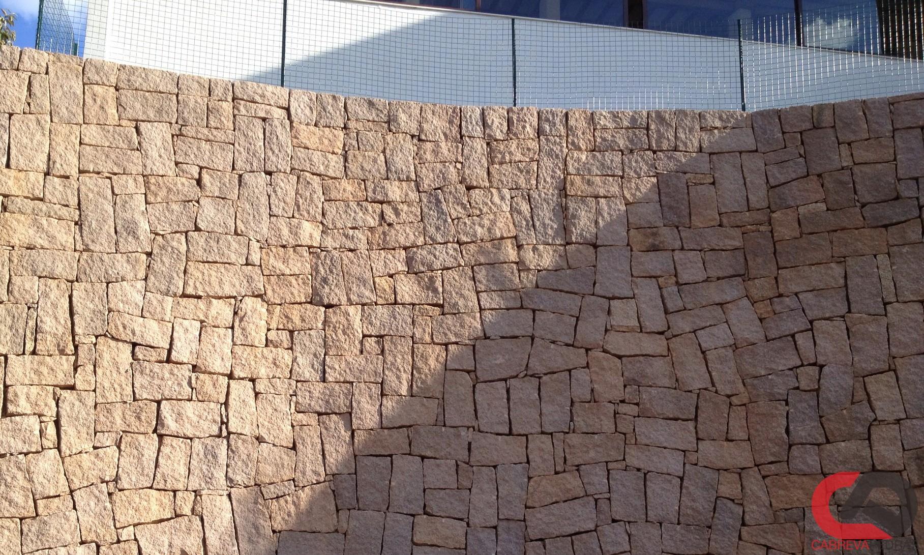 muro de pedra 05 - Muro de Pedra - Material e Mão de Obra Especializada