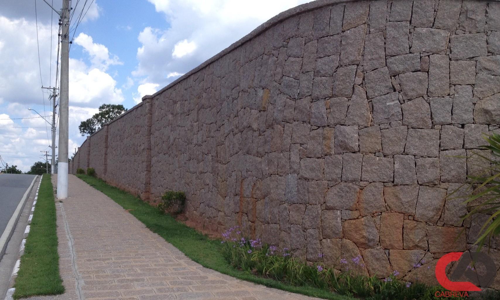 muro de pedra 08 - Muro de Pedra - Material e Mão de Obra Especializada