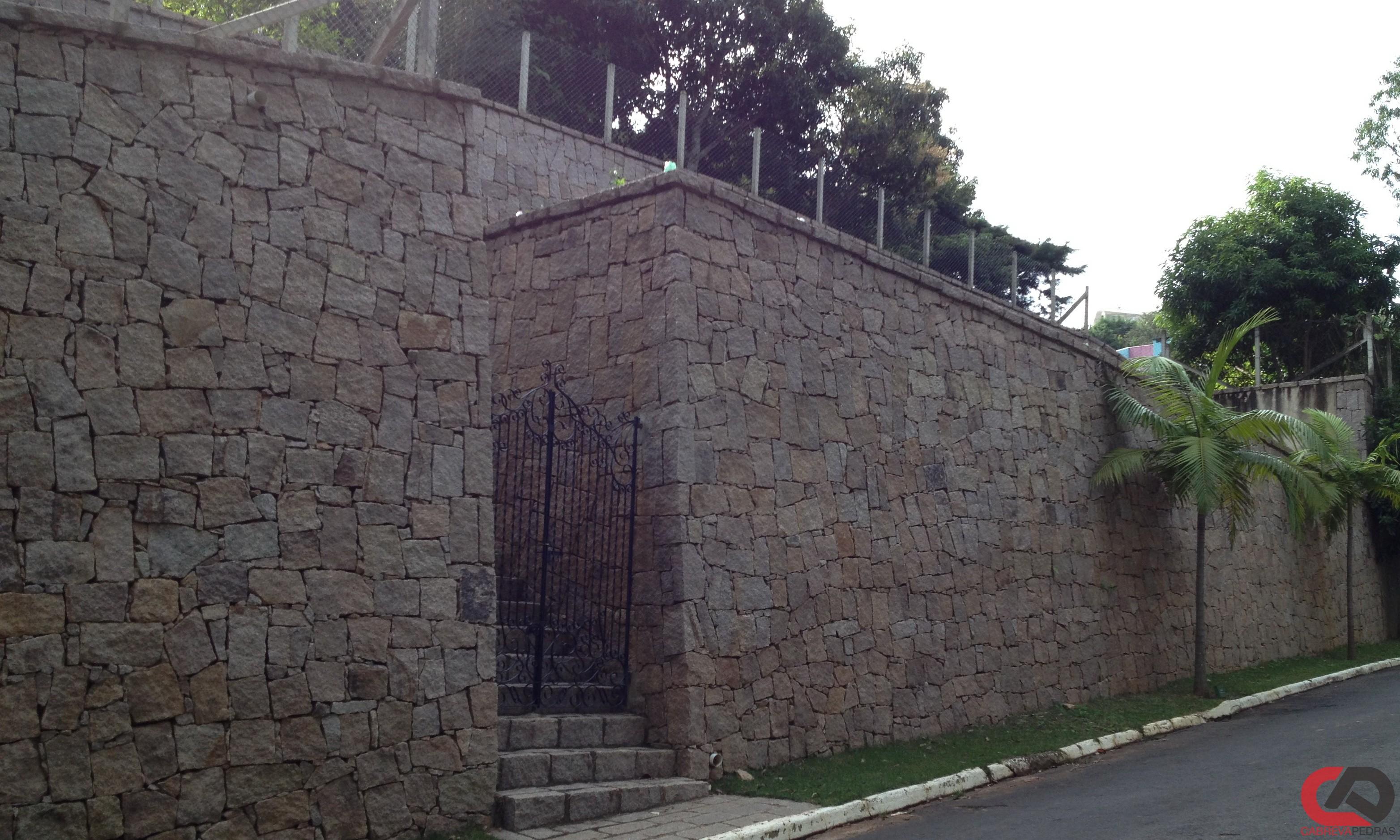 muro de pedra 09 - Muro de Pedra - Material e Mão de Obra Especializada