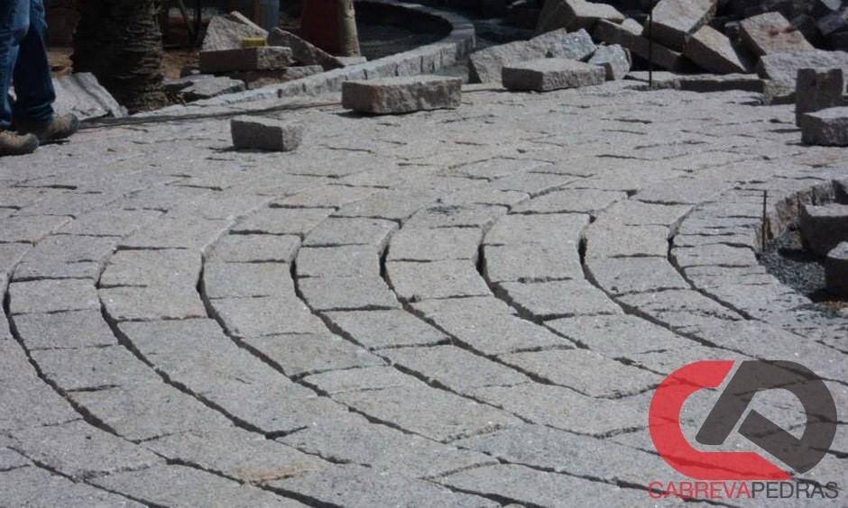 paralelepipedo 13 - Paralelepípedo Novos e Usados - Pedras e Mão de Obra